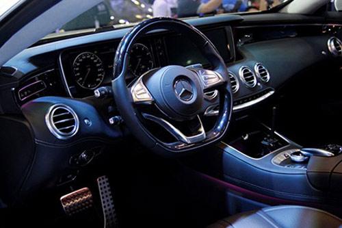Mercedes-Benz ra mắt xe đắt nhất Vietnam Motor Show - 2