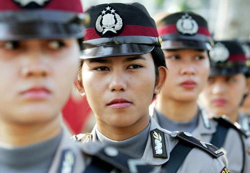 Vì sao nữ cảnh sát Indonesia phải kiểm tra trinh tiết? - 2