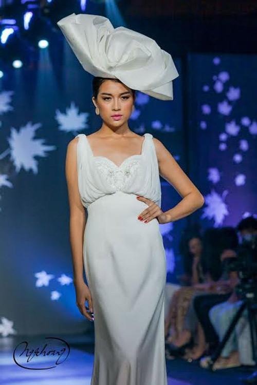 Lệ Hằng lên đường tham dự Elite Model Look quốc tế - 2