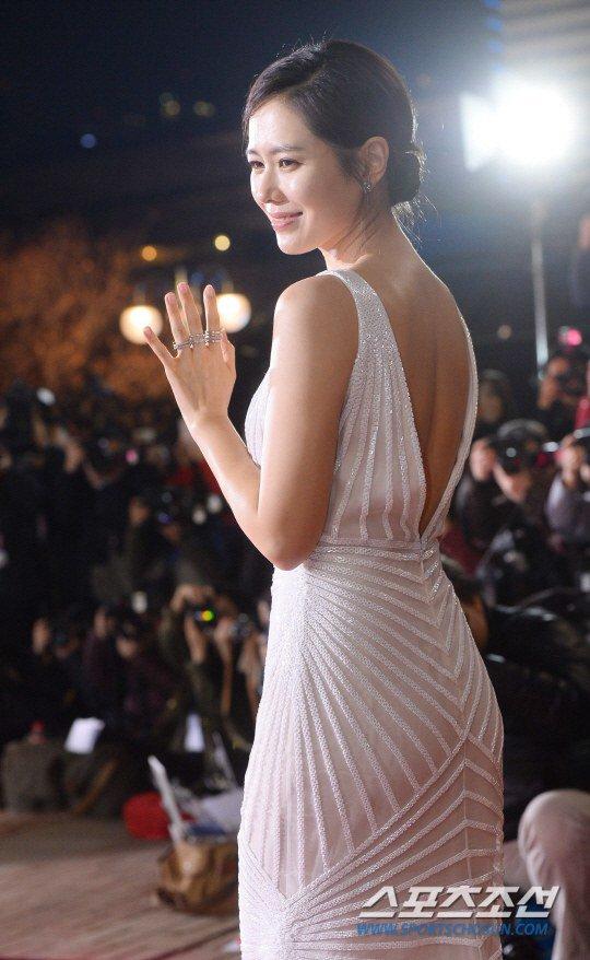 Kiều nữ Hàn khoe vẻ đẹp mướt mắt công chúng - 15