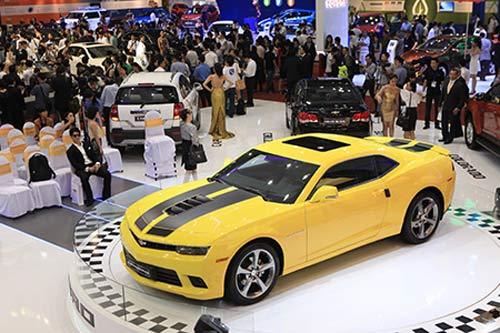 Khách hàng Việt mua gần 200 xe hơi chỉ trong 2 ngày - 1