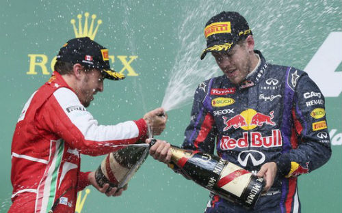 Choáng với mức lương 50 triệu bảng/năm của VĐV đua xe F1 - 3