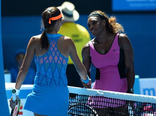 Tin HOT 21/11: Đánh biểu diễn, Ivanovic thắng Serena - 1