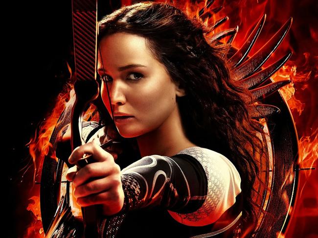 Jennifer Lawrence vừa trở lạivới vai diễn gây tiếng vang - nữ anh hùng Katniss trong phim Đấu trường sinh tử ăn khách.