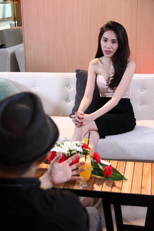 Thủy Tiên tiết lộ thời trẻ mê hát bỏ nhà đi trốn - 1