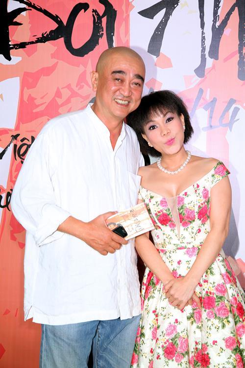 Việt Hương khoe tóc mới, đọ dáng cùng Phi Thanh Vân - 5