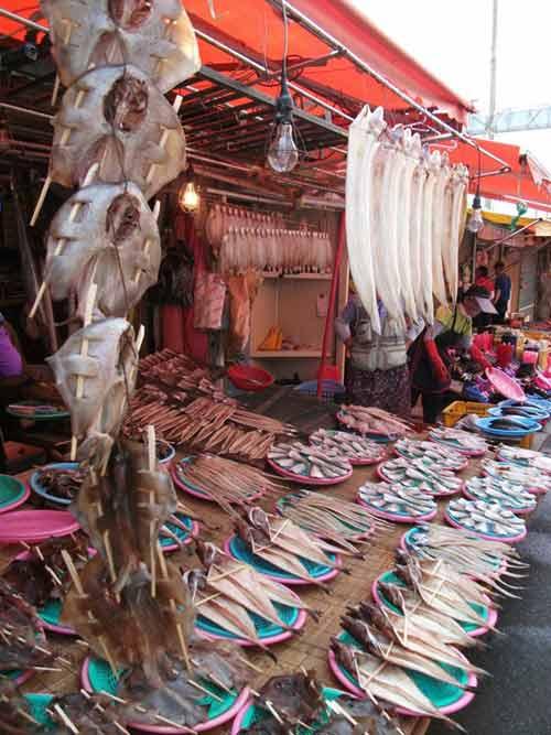 Đến thăm chợ hải sản Jagalchi nổi tiếng xứ Hàn - 4