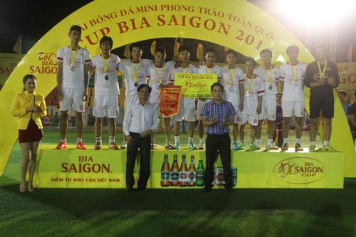 """Giải bóng đá Cúp Bia Sài Gòn 2014:  Cuộc đua của """"sao"""" phong trào - 3"""