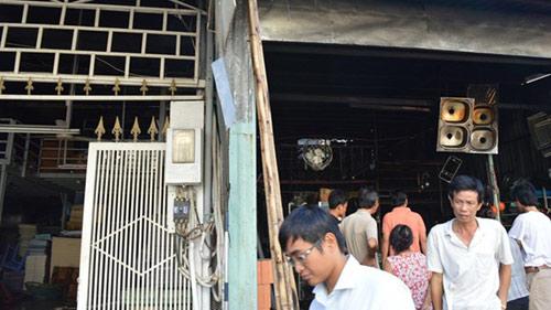 Nhà xưởng rộng hàng trăm m2 bốc cháy rừng rực vào sáng sớm - 5