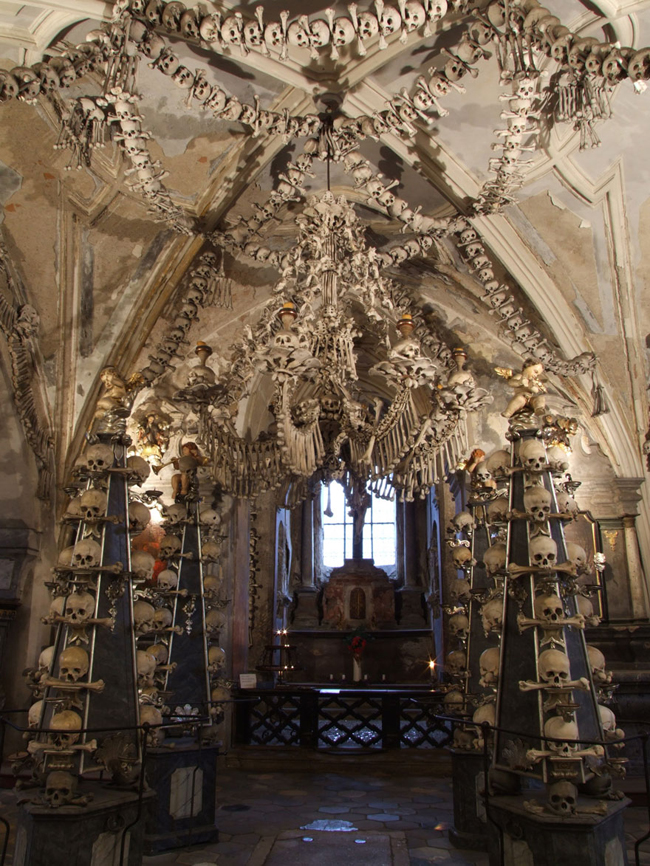 Một kiến trúc độc đáo nhằm tôn vinh những người đã khuất tại Sedlec, Kutna Hora, Cộng hòa Séc.