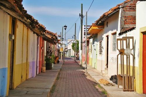 Ghé thăm ngôi làng trên hòn đảo nhân tạo ở Mexico - 4