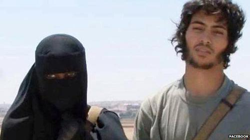 Vì sao thiếu nữ phương Tây thích lấy chồng IS? - 4