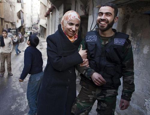 Vì sao thiếu nữ phương Tây thích lấy chồng IS? - 2