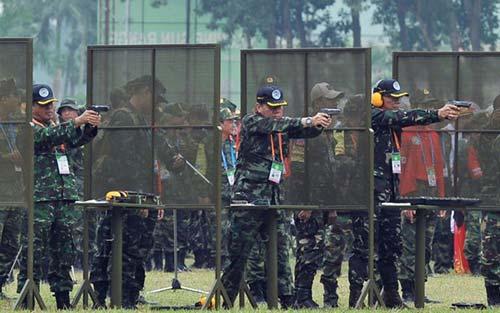 Thi đấu bắn súng quân dụng Đông Nam Á: Xạ thủ hội tụ đua tài - 1
