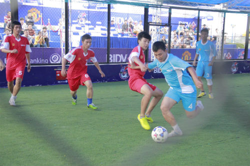 """Giải bóng đá đường phố ở Đà Nẵng: Sàn diễn của những """"nghệ sỹ"""" - 1"""