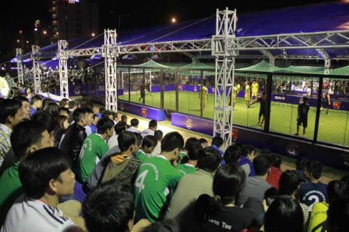 """Giải bóng đá đường phố ở Đà Nẵng: Sàn diễn của những """"nghệ sỹ"""" - 3"""