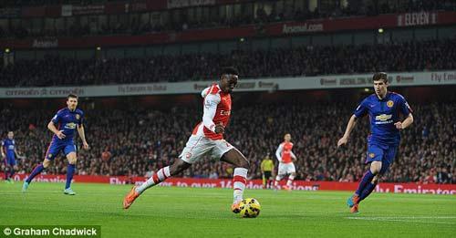 Arsenal - MU: Dính đòn hồi mã thương - 1