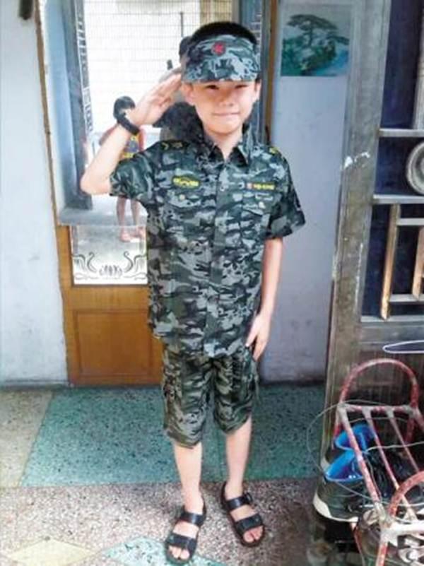 TQ: Cậu bé 10 tuổi tự vẫn vì áp lực điểm kém - 1