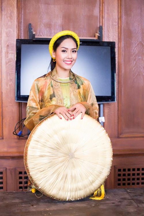Những hình ảnh đầu tiên của Nguyễn Thị Loan tại Anh - 4