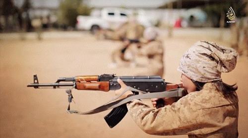 IS tung video huấn luyện trẻ em chiến đấu - 2