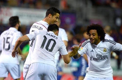 Messi hattrick, Ronaldo cú đúp: Nước rút giành QBV - 2