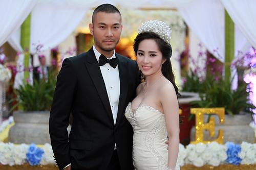 Doãn Tuấn tình tứ ôm hôn Quỳnh Nga tại lễ cưới - 1