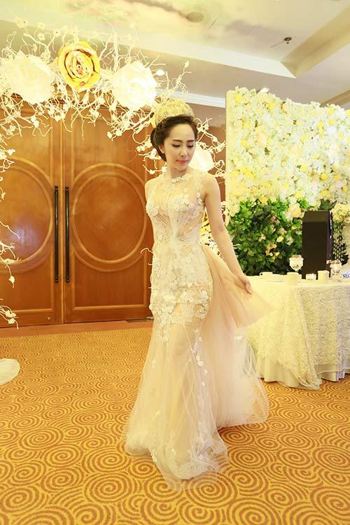 Doãn Tuấn tình tứ ôm hôn Quỳnh Nga tại lễ cưới - 9