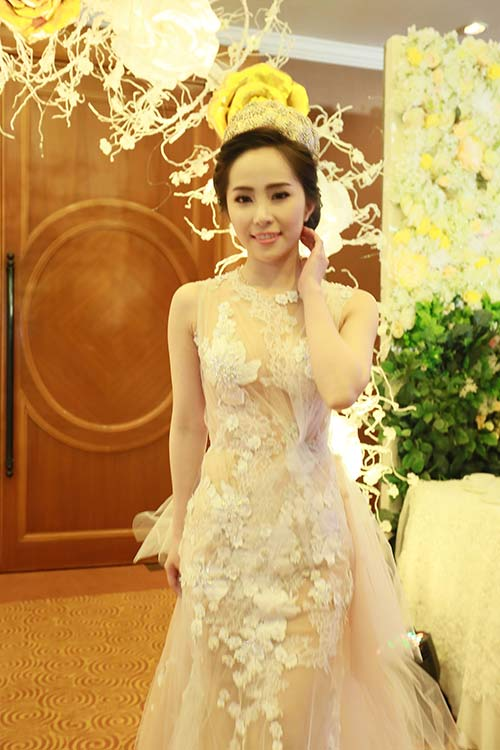 Doãn Tuấn tình tứ ôm hôn Quỳnh Nga tại lễ cưới - 10