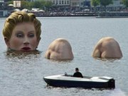 Những bức tượng kỳ quặc có một không hai trên thế giới