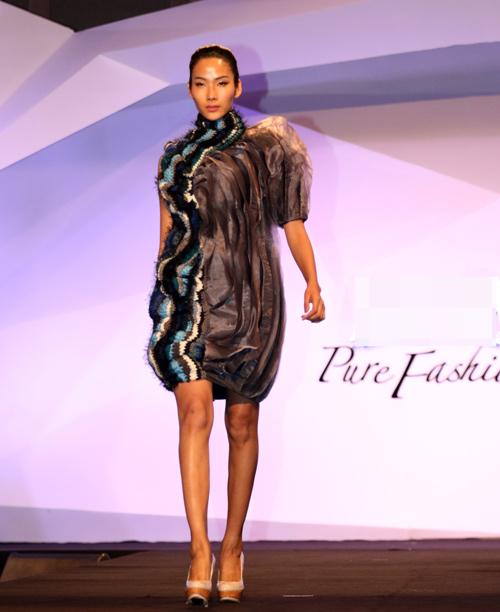 Hồng Quế gây tò mò với váy xuyên thấu - 10
