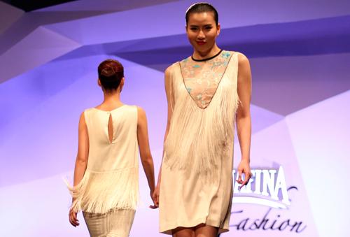 Minh Triệu, Hoàng Thùy đọ bước trên sàn catwalk - 2