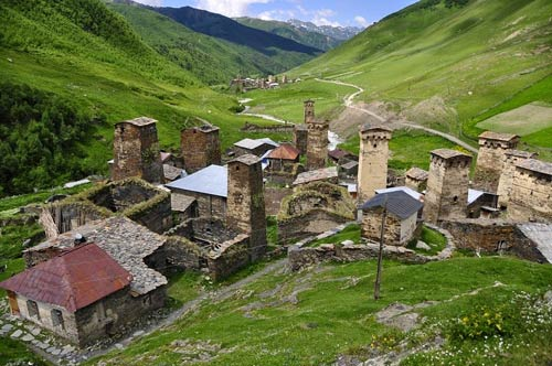 Thăm ngôi làng của những tháp đá nghìn năm tuổi - 10
