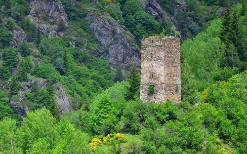 Thăm ngôi làng của những tháp đá nghìn năm tuổi - 11