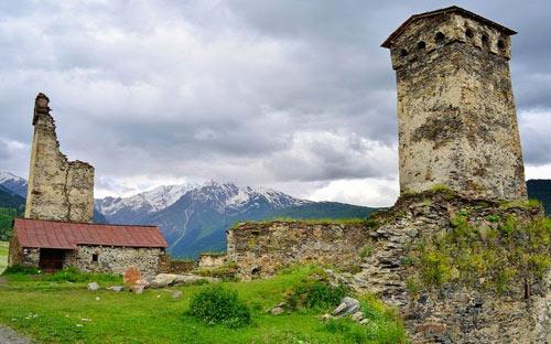 Thăm ngôi làng của những tháp đá nghìn năm tuổi - 8