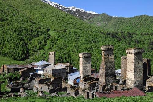 Thăm ngôi làng của những tháp đá nghìn năm tuổi - 5