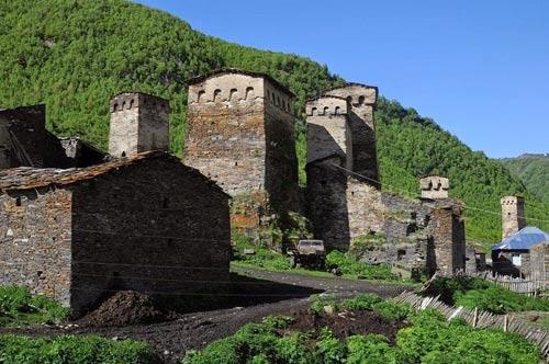 Thăm ngôi làng của những tháp đá nghìn năm tuổi - 9