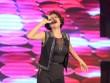 Trang Trần diện trang phục sexy hát nhạc dance