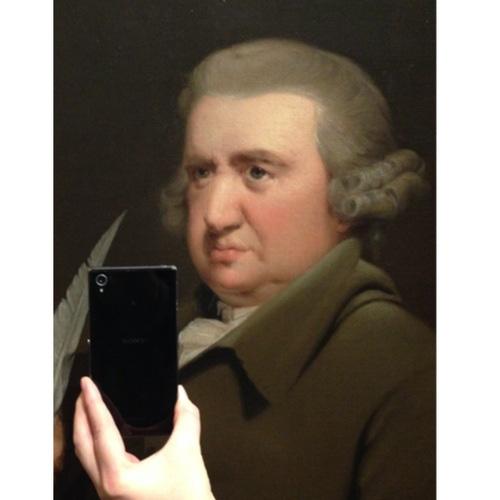 """Khi người xưa """"tự sướng"""" với điện thoại thời nay - 5"""