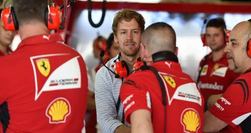 "F1: Mercedes giữ chân Hamilton, Vettel ""diện kiến"" Ferrari - 2"