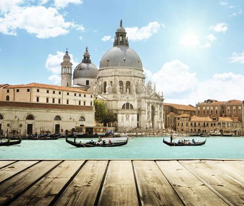 Venice phủ nhận luật cấm du khách kéo vali trên phố - 2