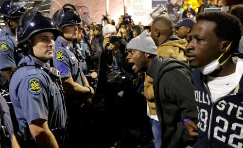 Mỹ: Điều Vệ binh Quốc gia ngăn bạo lực kinh hoàng - 2