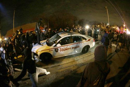 Mỹ: Điều Vệ binh Quốc gia ngăn bạo lực kinh hoàng - 3