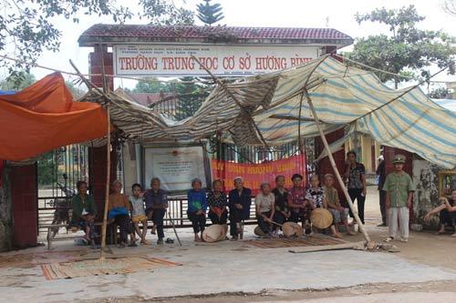 Bộ GD-ĐT cam kết đưa 500 HS ở Hà Tĩnh trở lại trường - 1