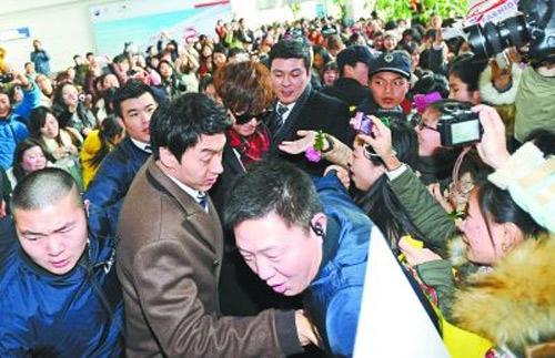 """Những lời đồn """"giật mình"""" về Lee Min Ho - 4"""