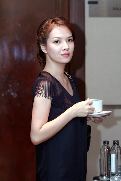 Hà Tăng và những người đẹp khéo giấu vòng 2 - 7