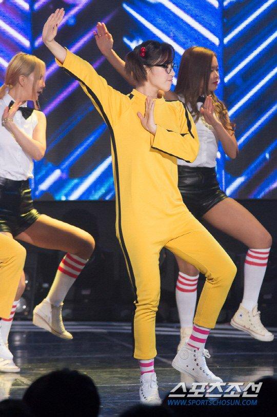T-ara đại náo sân khấu với bản hit gần 8 triệu lượt xem - 1