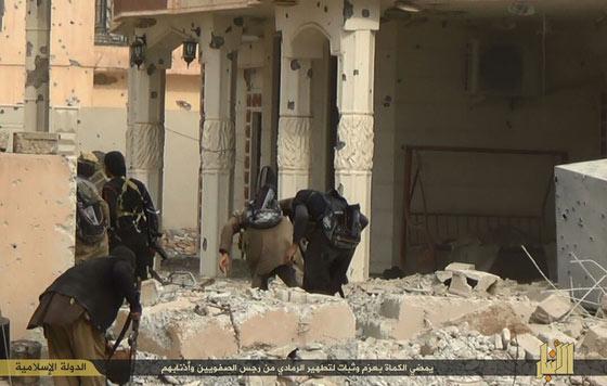 Thành phố trọng yếu của Iraq sắp rơi vào tay IS - 2