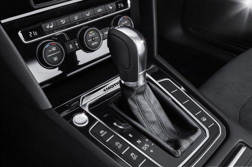 Volkswagen Passat 2015 đầu tiên đến tay khách hàng - 11