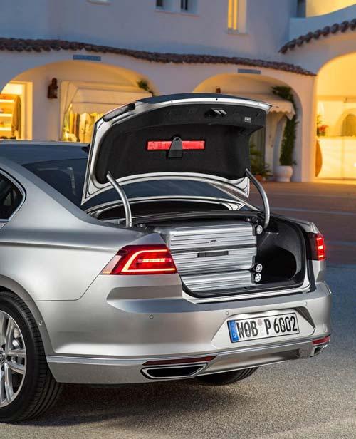 Volkswagen Passat 2015 đầu tiên đến tay khách hàng - 4