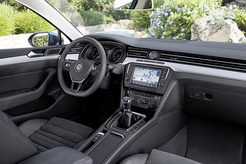 Volkswagen Passat 2015 đầu tiên đến tay khách hàng - 7